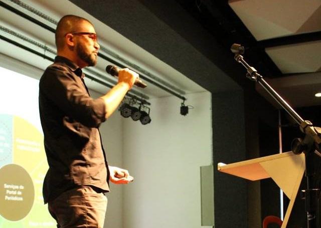 Ronaldo Araújo Discute A Circulação Dos Periódicos Na Web No Circuito Qualifica Periódicos